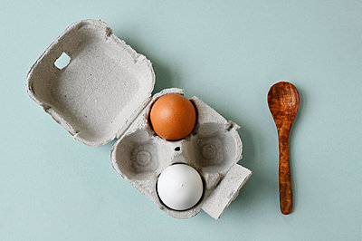 Chicken eggs and spoon - p1190m2158301 by Sarah Eick