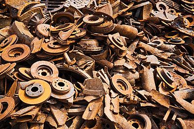 Scrap metal - p9243850f by Image Source