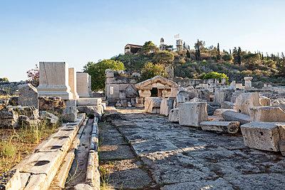 Greece, Attika, Eleusis, archeological site - p300m1579396 von Maria Maar