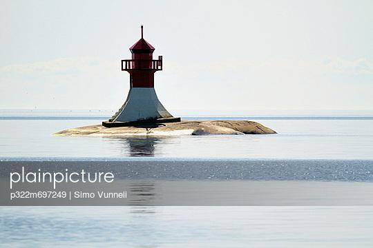 Lighthouse - p322m697249 by Simo Vunneli
