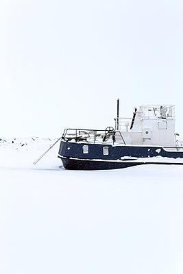 Russia, Ship in the snow  - p1063m2285149 by Ekaterina Vasilyeva