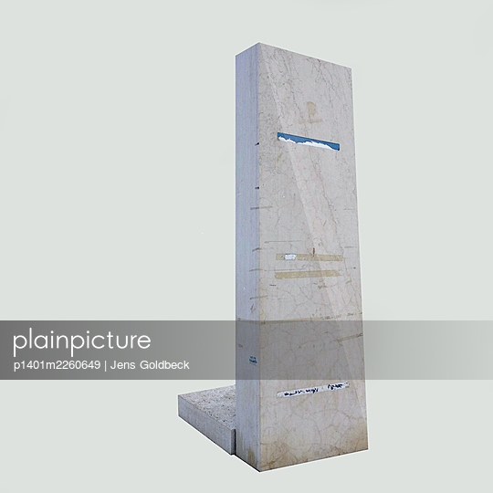 Pasted monument against white background - p1401m2260649 by Jens Goldbeck