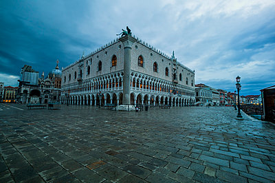 Doges Palace - p300m905123 by EJW