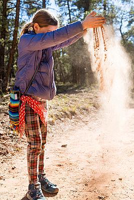 Scattering sand - p756m2087332 by Bénédicte Lassalle