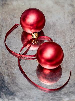 Weihnachtskugeln - p971m944582 von Reilika Landen