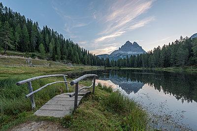 Italy, Alps, Dolomite, Lago d'Antorno, Parco Naturale Tre Cime - p300m2005403 by Raul Podadera Sanz