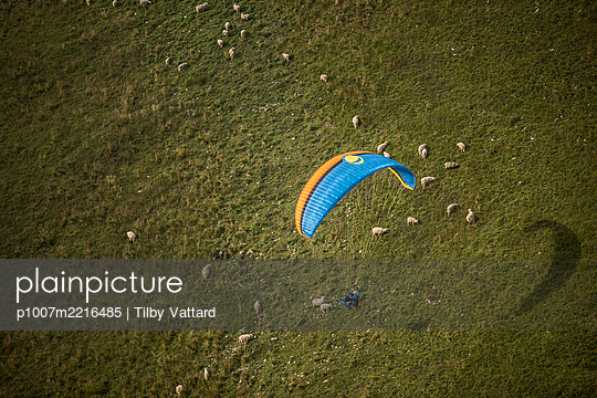 France, Aravis, Paragliding in the Alps - p1007m2216485 by Tilby Vattard