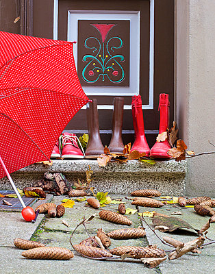 Draußen vor der Tür - p606m741164 von Iris Friedrich
