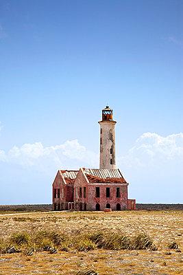 Leuchtturm auf Klein Curaçao - p606m885573 von Iris Friedrich