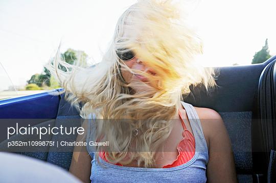 p352m1099875f von Charlotte Gawell