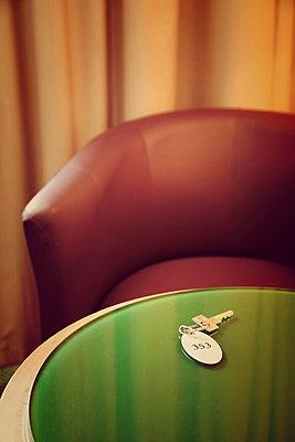 Hotelzimmer - p382m886991 von Anna Matzen