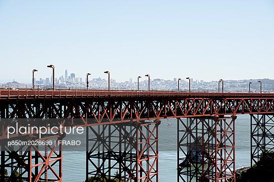 Golden Gate Bridge, Lime Point - p850m2026699 by FRABO