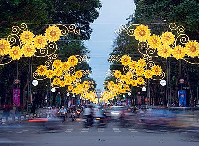Rush hour traffic, Ho Chi Minh City (Saigon), Vietnam, Indochina, Southeast Asia, Asia - p871m1136159 by Christian Kober