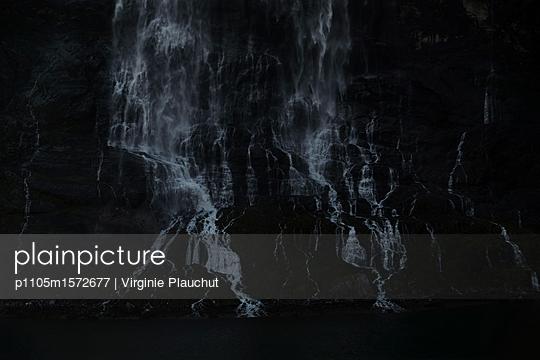 Fjord - p1105m1572677 by Virginie Plauchut