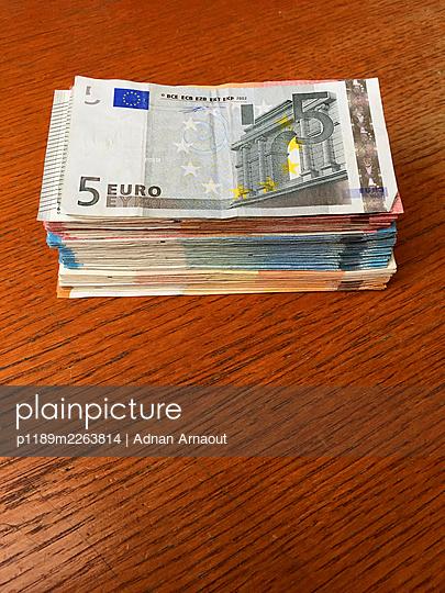 Eurobanknoten - p1189m2263814 von Adnan Arnaout