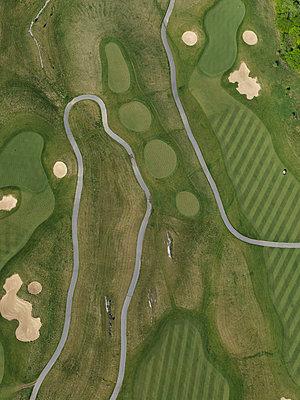 Aerial view of golf course, Hohenheim, Stuttgart, Baden-Wuerttemberg, Germany - p301m1406252 by Stephan Zirwes