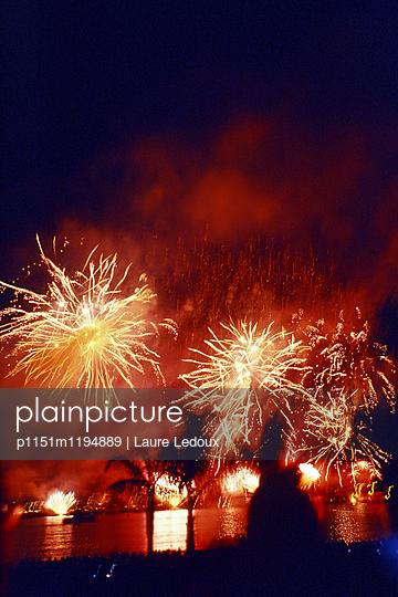 Feuerwerk in Cannes - p1151m1194889 von Laure Ledoux