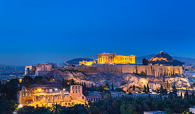 The Acropolis illuminated at night, Athens, Attiki, Greece, Europe - p429m1477678 by Henglein and Steets