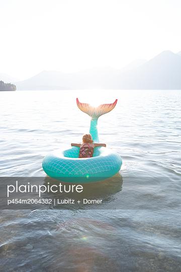 Meine kleine Meerjungfrau - p454m2064382 von Lubitz + Dorner