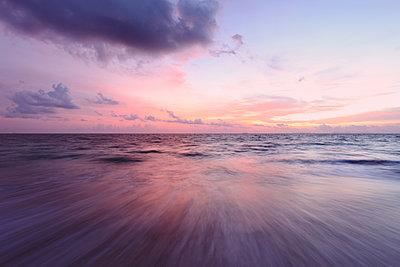 Phi Phi Islands - p1217m1146051 by Andreas Koslowski