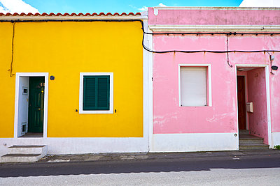 Colourful Houses - p1299m1584100 by Boris Schmalenberger
