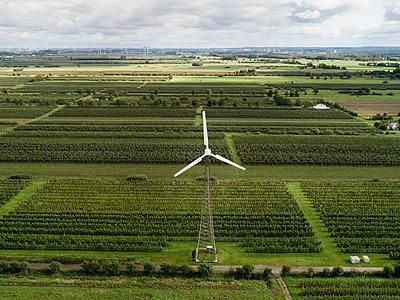 Windenergie im Alten Land - p1079m2157722 von Ulrich Mertens
