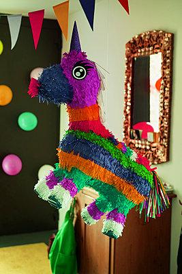 Einhorn Piñata - p375m1586281 von whatapicture