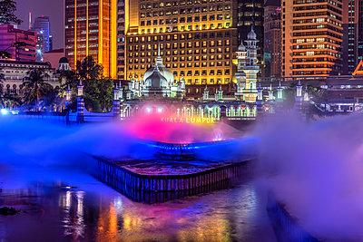 Jamek Mosque and Klang River, Kuala Lumpur, Malaysia - p651m2033424 by Stefano Politi Markovina photography