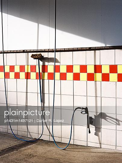 Clean Sweep - p1431m1497121 by Daniel R. Lopez