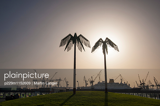 Hamburger Hafen - p229m1152609 von Martin Langer