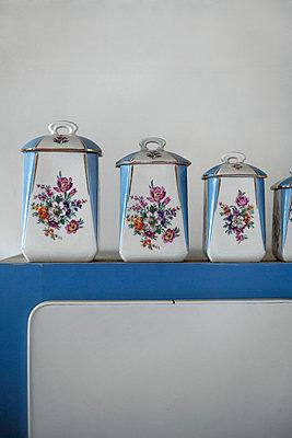 Vintage 1950s jars - p1028m1051614 by Jean Marmeisse