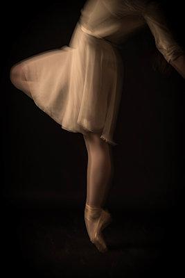 Dance - p1594m2159043 by Françoise Chadelas