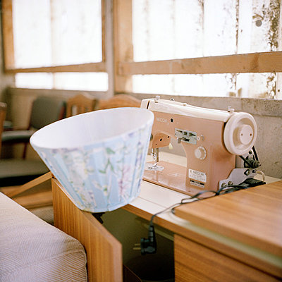 Sewing machine - p9110466 by Benjamin Roulet