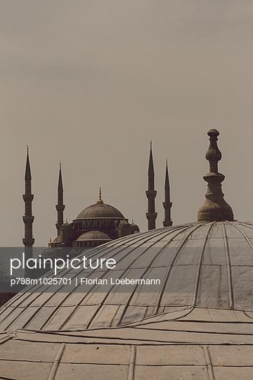 Blick auf die Blaue Moschee - p798m1025701 von Florian Loebermann