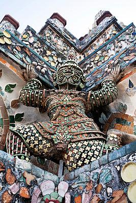 Wat Arun - p300m905240 by Christian Zappel