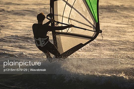 p1315m1579129 von Wavebreak