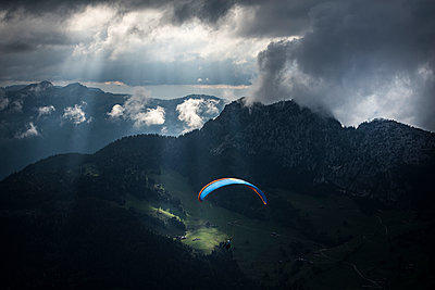 France, Aravis, Paragliding in the Alps - p1007m2216487 by Tilby Vattard