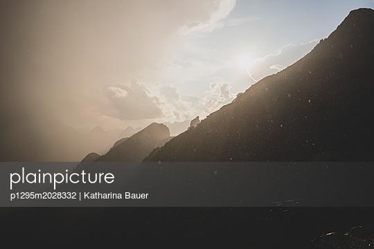 Berge Sonne und Regen - p1295m2028332 von Katharina Bauer