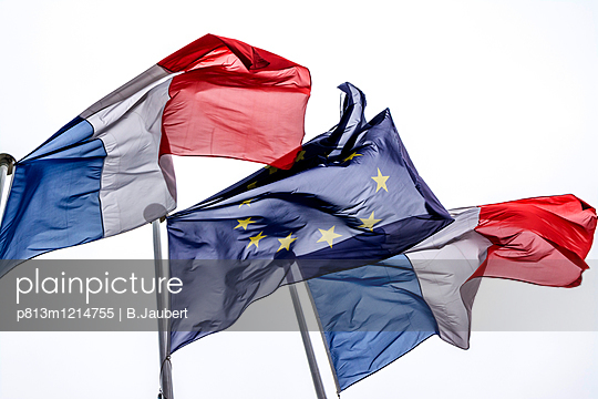 European Union flag with French flags - p813m1214755 by B.Jaubert