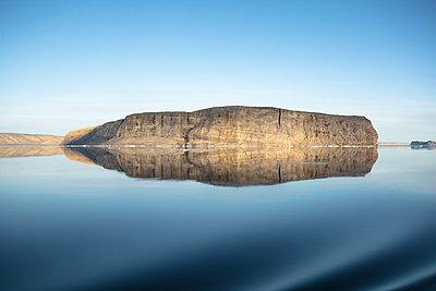 Hans Insel in der Nares Strait - p1486m1564240 von LUXart