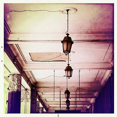 Alte Deckenlampen - p819m972610 von Kniel Mess