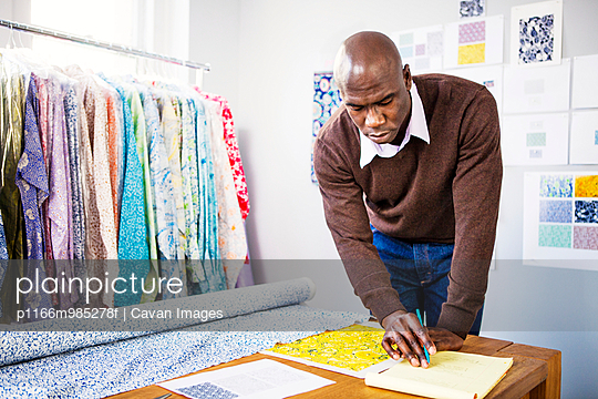 Usa New York State New York Male Fashion Designer Working In Studio Stock Images Page Everypixel
