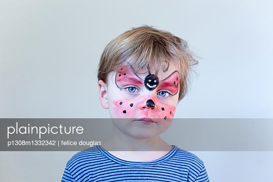Geschminktes Kind - p1308m1332342 von felice douglas