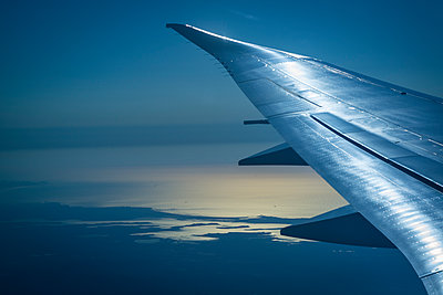 Airplane wing - p1170m2045723 by Bjanka Kadic