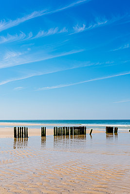 Germany, Schleswig-Holstein, Sylt, rth Sea, breakwaters - p300m1587461 by Ega Birk