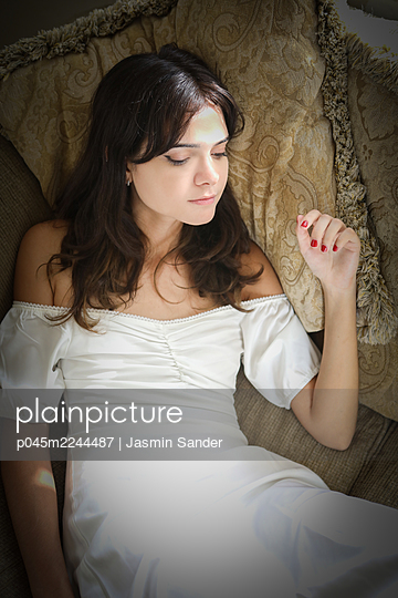 p045m2244487 by Jasmin Sander