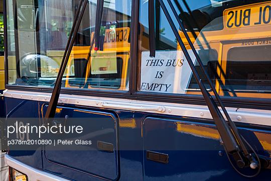 p378m2010890 von Peter Glass