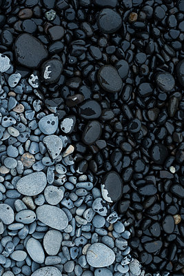 Dry and Wet Rock Pattern - p1262m1440884 by Maryanne Gobble