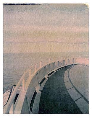 Fähre auf dem Ärmelkanal; Polaroid - p342m729096 von Thorsten Marquardt