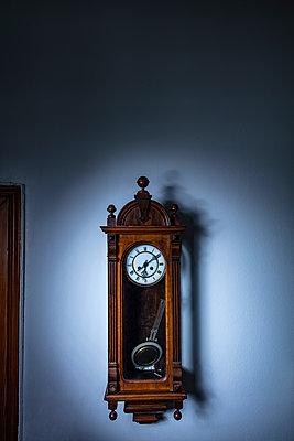 Wall Clock - p1272m2185901 by Steffen Scheyhing